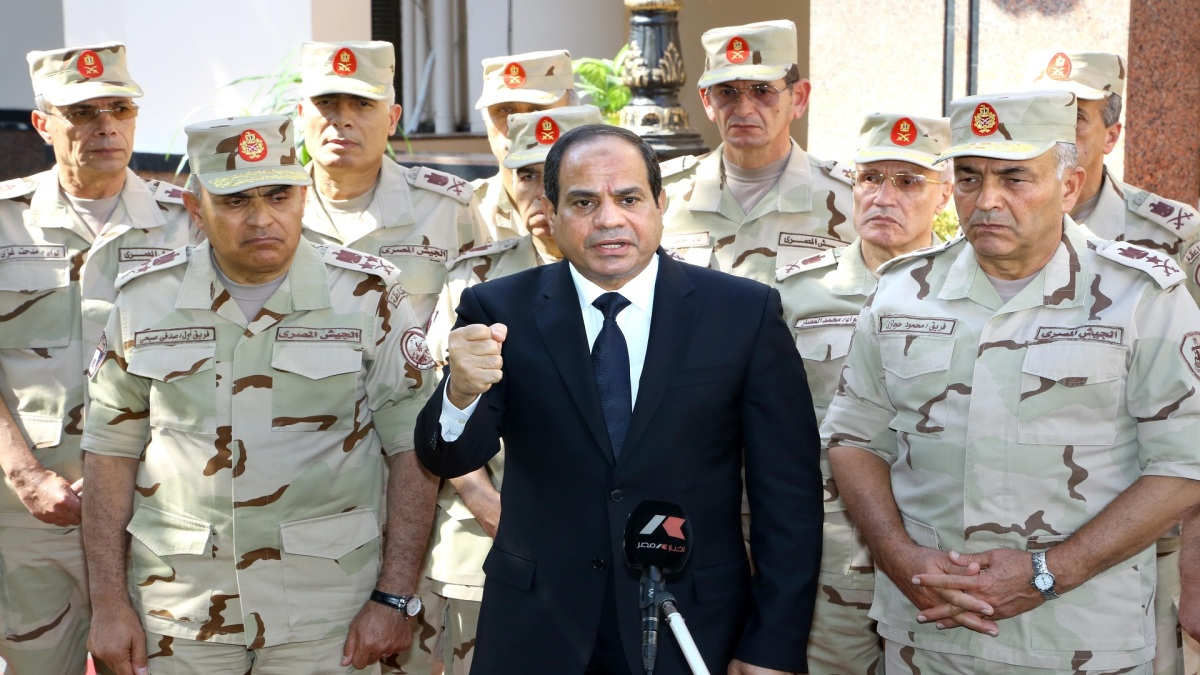 أول مهام سكرتير سيسي الفاسد الجديد : الجيش فوق الدولة و يسيطر علي الأقتصاد بالقانون